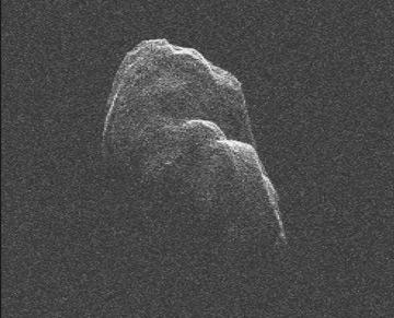 Китайский лунный аппарат Чанъэ-2 облетел астероид Toutatis